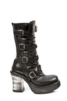 Ботинки на устойчивом каблуке