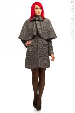 Демисезонное твидовое пальто с шалью