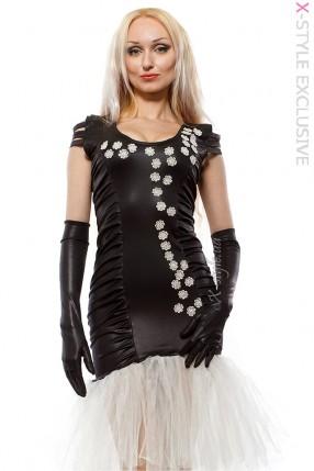 Вечернее платье с перчатками и вышивкой