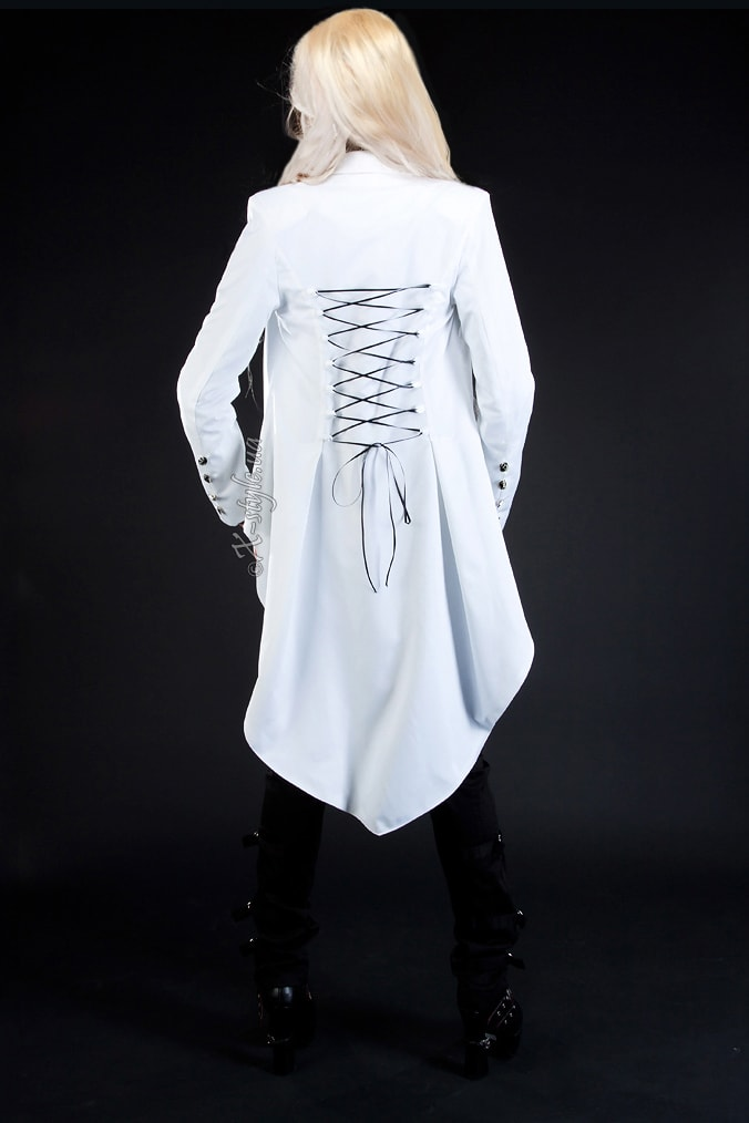 Белый фрак со шнуровкой